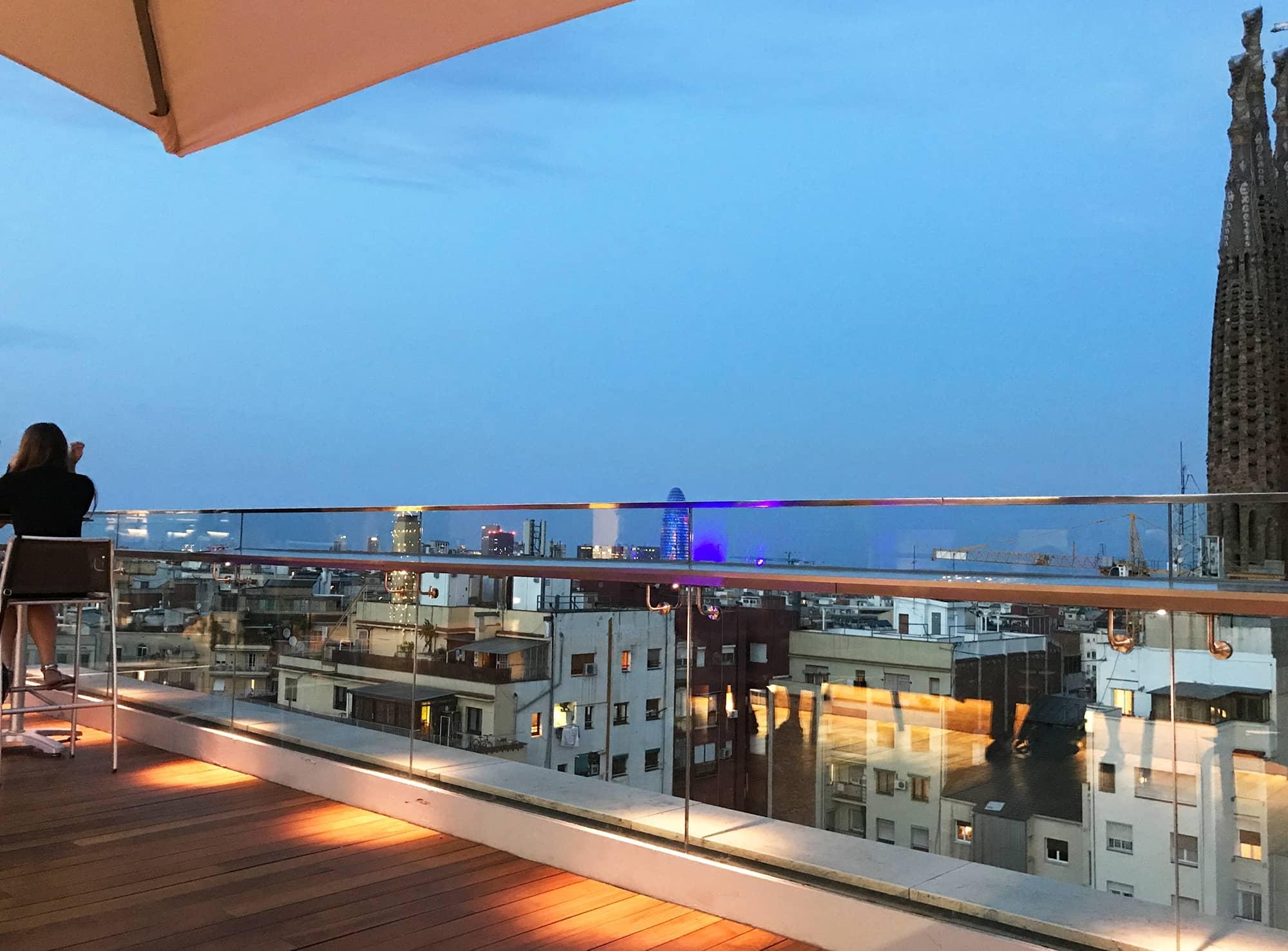 Iluminación LED Terraza Hotel Ayre Rosellon Barcelona