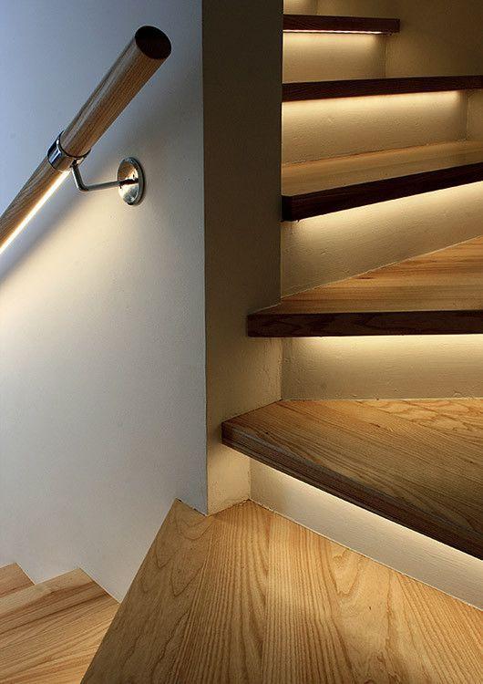 Iluminación en escaleras y barandillas. Iluminación LED lineal.