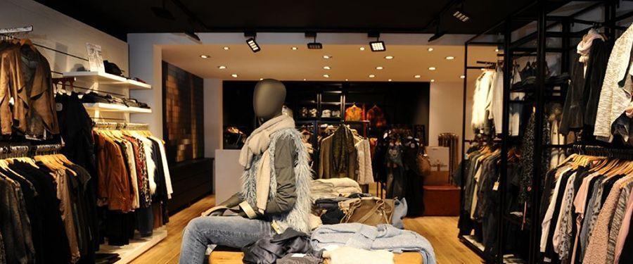 Iluminación comercial para tiendas de ropa