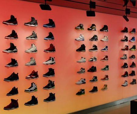 Iluminación para tiendas de ropa y deportes