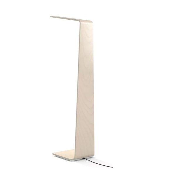Lámpara de pie de madera LED2 de TUNTO Design