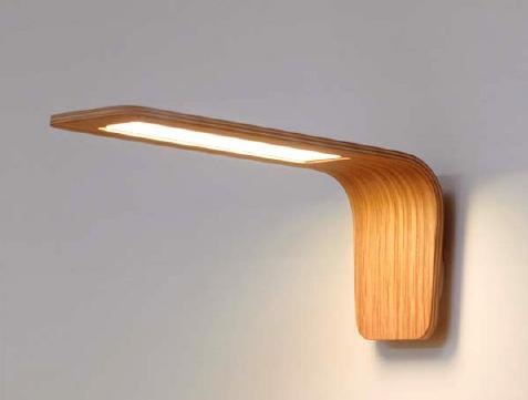 Lámpara OLED mural de diseño realizada en madera