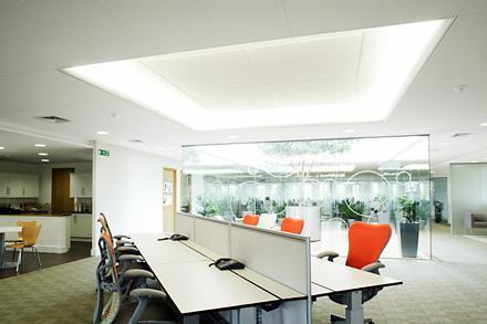 Iluminaci n led indirecta iluminaci n outside tech light for Iluminacion led oficinas